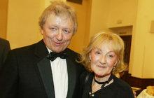 Václav Neckář (72) totálně na dně: Smrt milované manželky mu oznámili včera těsně před koncertem!