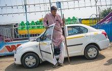 Obr z Indie (247 cm): Nemám holku ani práci!