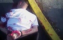 Šokující poprava na ulici v USA: Policajti (opět) střelili  bezbranného do zad!