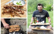 Vaříme cvalem s Michalem: Kuřecí špízy s mátovým dipem. Šéfkuchař Michal připravil jednoduchou pochoutku na grilu!