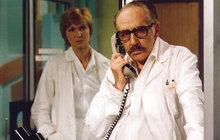 »Dobrý večer, tady Sova« ozvalo se před čtyřiceti lety poprvé na obrazovkách. Československá televize odvysílala 5. listopadu 1978 první díl Nemocnici na kraji města.