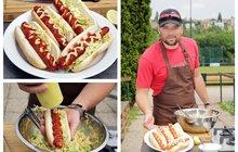 Vaříme cvalem s Michalem: Hot Dog se salátem Coleslaw. Michal vylepšil dětmi milovanou dobrotu!