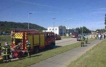 Útok islamistů na továrnu ve Francii: Policie našla lidskou hlavu! Jednoho z útočníků chytili...