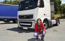 """Jitka Töglová (47) ze Šumperska se prosadila v typicky chlapské profesi: """"Šoféruju kamion!"""""""