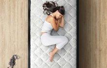 Nemůžete v noci spát? 5 tipů, jak se i v horku vyspat!