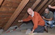 Rudi (83) ukryl před 70 lety poklad: Teď ho pod střechou našel!