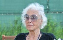 Květa Fialová statečně bojuje s alzheimerem: Opět čte, zpívá i maluje!