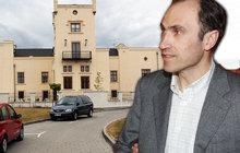 Exministra Pilipa dohnaly dluhy: Musí prodat zámek!