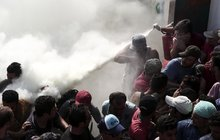 Vzpoura uprchlíků na řeckém Kosu: My chceme jíst!