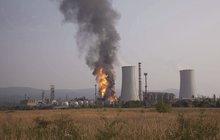 Po výbuchu chemičky v Litvínově evakuovala policie 1000 lidí: Pásmo smrti 2 km!