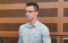 Přepadená kadeřnice u soudu s Lukášem Nečesaným (23): To on mě praštil polenem!