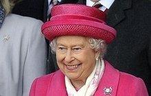 Britská královna láme rekordy vládnutí, už je na trůnu 63 let! Tajemství jejích klobouků!