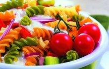Italský těstovinový salát: Rychlá večeře pro celou rodinu, anebo skvělý oběd do práce!