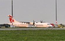 Kouř na palubě, nouzové přistání letadla ČSA! 44 cestujících v nemocnicích