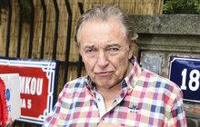 Karel Gott (76) po operaci: Nešlo jen o srdce, je to horší!