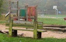 Záhadný případ spontánního samovznícení: Žena vzplála na lavičce!