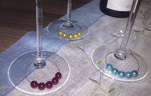 Může se hodit na oslavu i na Silvestra: Vyrobte si rozlišovače skleniček podle Diany (17) z Hradce Králové! Zaručeně poznáte, která je vaše...