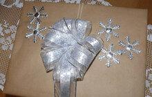 Jak zabalit dárek? Letos přece nemusíte kupovat klasický pestrý papír!