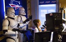 Star Wars Evropy 2: Zorka jako sexy princezna Leia a Stormtrooper pařící na Justina Biebera