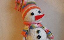 Udělejte dětem radost jako Jana (52) z Hradce Králové: Vyrobte sněhuláčka ze svetru!
