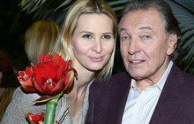 Vážně nemocný Karel Gott (76): Valentýna moc nemusím!