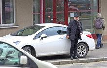 Koumák Štěpánek: S parkováním si hlavu nedělá!