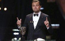 DiCaprio se řítí pro Oscara? Dostal cenu BAFTA a děkoval mamince!