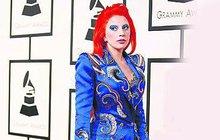 Fanoušci se smějí Lady Gaga na Grammy: Pocta Bowiemu? Kdeže...