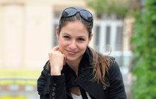 """Hvězda seriálu Na vodě Veronika Kubařová (28). Jejími osudovými muži jsou režiséři: """"Podezřívali mě, že chci protekci a peníze!"""""""