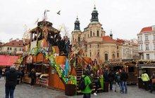 Velikonoční trhy rozzářily Prahu: Bodovala výzdoba a samozřejmě punč!