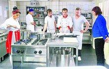 Tady vaří Mike a Burák: Kvůli Prachařovi a Dolanskému kuchyně za 3 000 000 Kč!