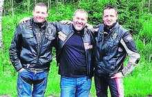 Korupčník pod  dohledem motorkářů: Pomohli mu z basy, už se s nimi ukazuje!