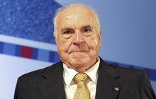 Asi dvě stě marek ročně posílal v šedesátých letech budoucí německý kancléř Helmut Kohl (†87) organizaci Hilfswerk Hausser. Ta přitom podporovala nacistické zločince.