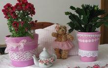Tip pro romantičky: Květináče ozdobte krajkami!