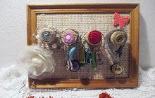 Čarování s knoflíky: Vytvořte si originální šperkovnici!