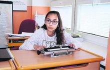 Nikola (15) oslepne: Statečně se ale připravuje na život v temnotě...