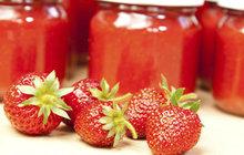 LETNÍ ZAVAŘOVÁNÍ: Džemy a marmelády z jahod, třešní i rebarbory!