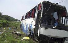 Slovák (31) popisuje havárii autobusu na srbské dálnici: V tichu jsme spadli do tmy!