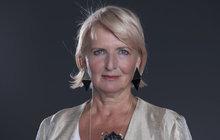 PROMĚNA ČTENÁŘEK: Paní Dáša (66) z Prahy se bála bílé, po proměně se do ni ale odváží!