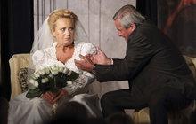 Stašová ve svatebním: Na celé léto se provdala za Skopala!