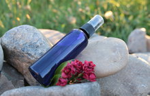 Pro jasnější pleť: Namíchejte si hydratační růžový sprej!