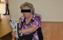 Řidička najela do seniorek: Ranní nákup se změnil v horor!