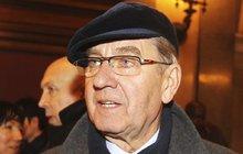 Jiří Klem (75): ZMRZAČENÁ NOHA! Zmlátili ho na ulici!