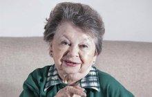 Legendární Aťka Janoušková (86): Špatné zprávy! 2 měsíce odmítá opustit byt!