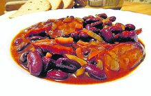 LUŠTĚNINOVÉ DOBROTY: Fazolový guláš je klasika, nezapomeňte přidat chilli papričku!