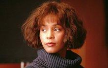 Osud slavné zpěvačky Whitney Houston byl zřejmě ještě tragičtější, než jsme tušili. Přispěl k její zkáze i šrám na duši, který si údajně nesla z mládí?