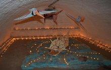 Unikátní výstava na zámku: Na ještěry svítilo 8004 svíček!