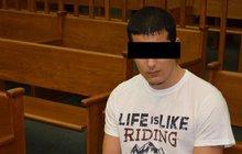 Daniel F. (21) před soudem: Přítelkyni (22) vyhodil z okna!