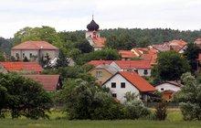 PO STOPÁCH SERIÁLU CHALUPÁŘI: Ve Višňové, kde se seriál natáčel, už některé budovy nestojí!