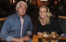 Jiří Krampol (78) s manželkou: Nucené stěhování z bytu! Kdo si na ně došlápl?